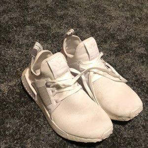 White adidas originals (nmd xr1)